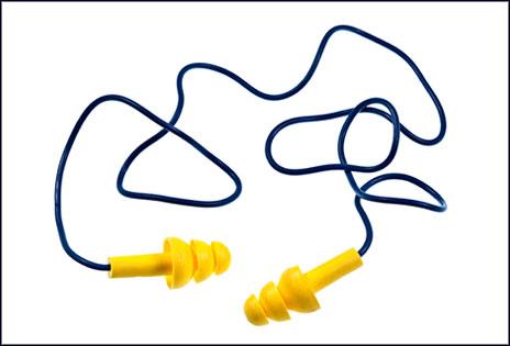 imagem ilustrativa mostra um protetor auditivo sobre fundo branco