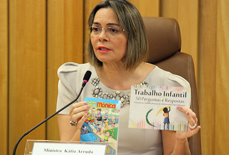 Foto da Ministra Kátia Magalhães Arruda, do Tribunal Superior do Trabalho