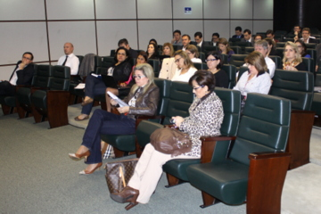 Foto mostra público de magistrados durante o encontro sobre o novo CPC