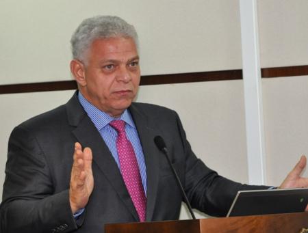Imagem traz Ministro Alexandre de Souza Agra Belmonte