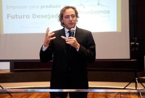 Consultor Eduardo Carmello
