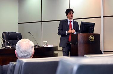 Procurador do Trabalho Élisson Miessa