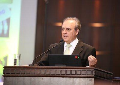 Professor José Pio Martins
