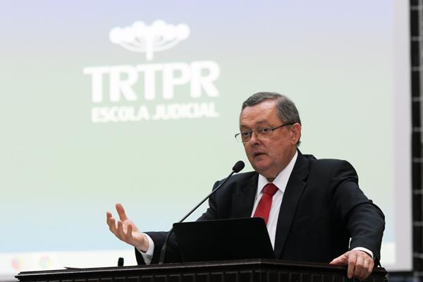 Ministro aposentado do TST Pedro Paulo Teixeira Manus